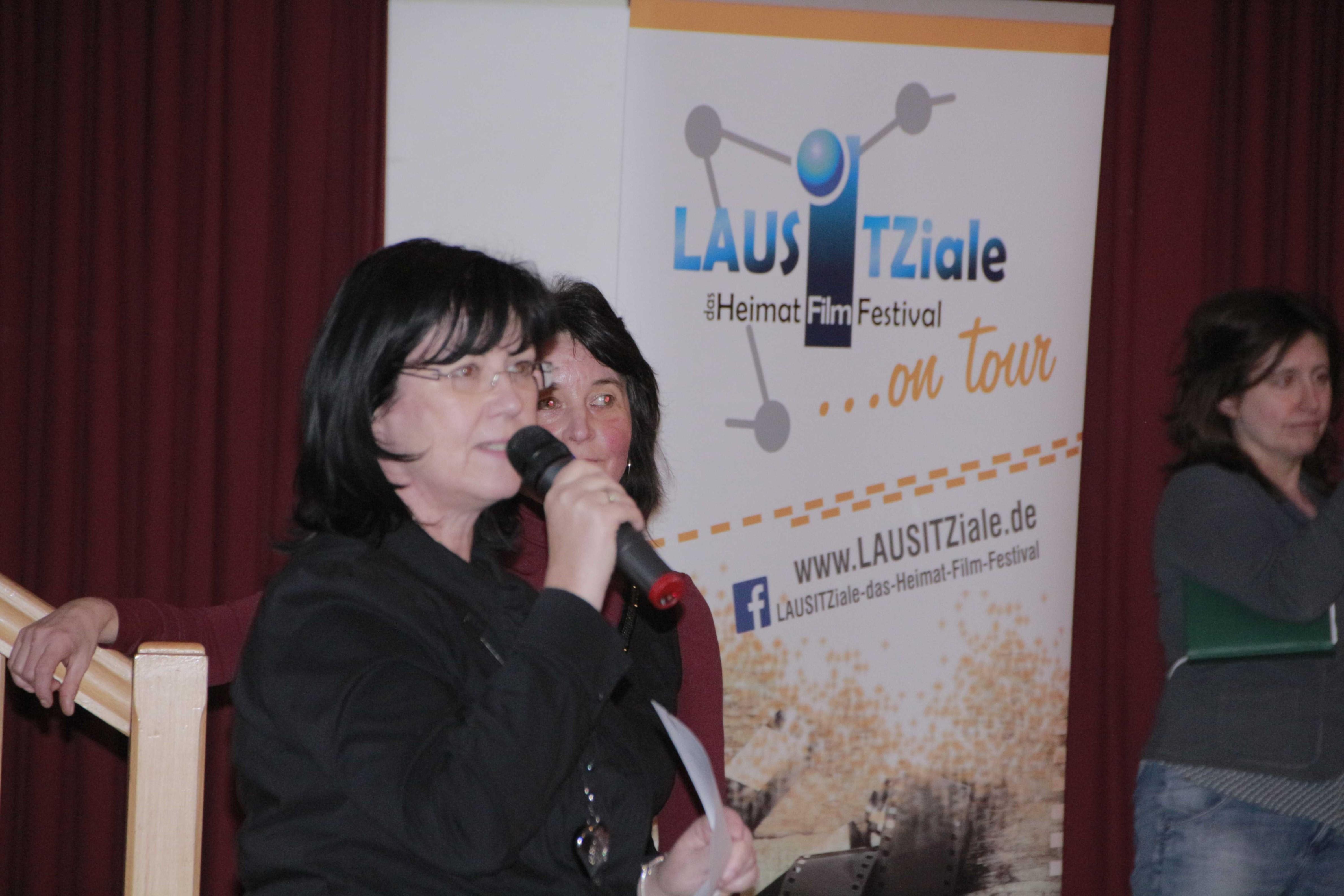 7 Bürgermeisterin Cristine Herntier
